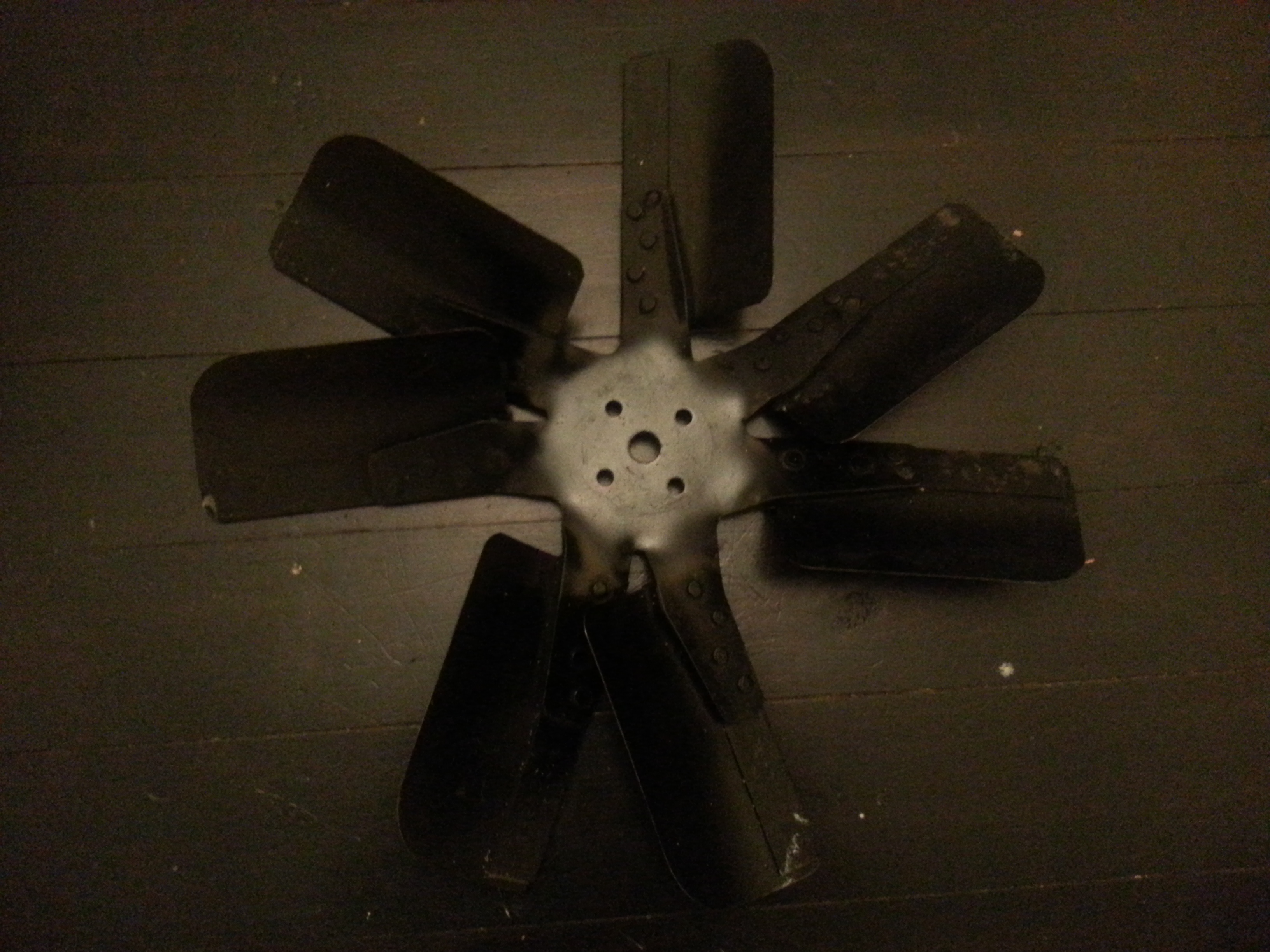 Fan, 7 Blade, 245 and 265 with Air Conditioning, Salvaged